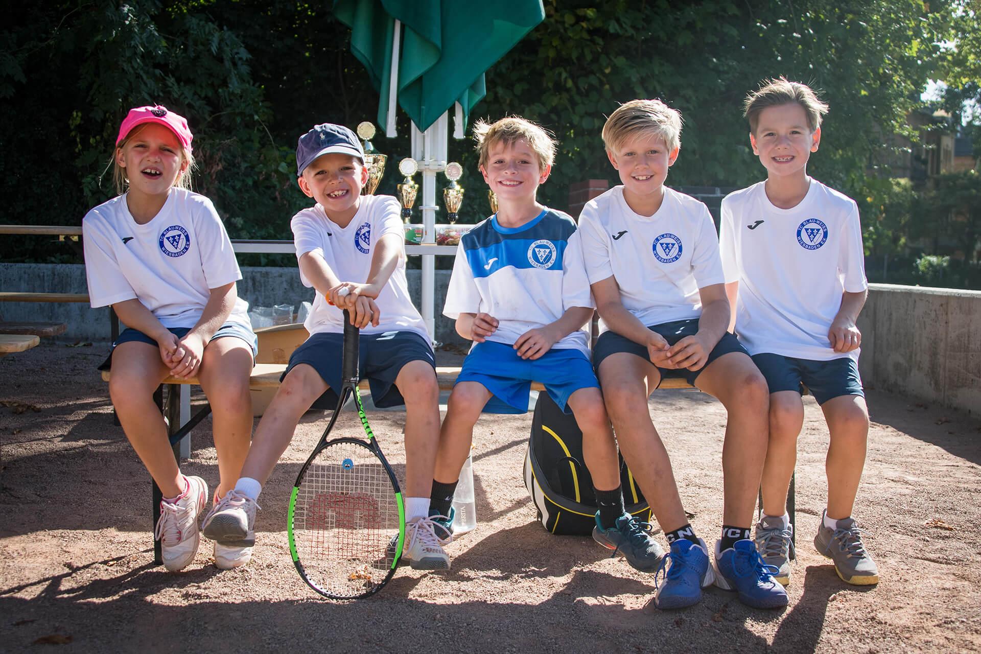 https://tcbw-wiesbaden.de/wp-content/uploads/2021/02/Tennis-Kids.jpg